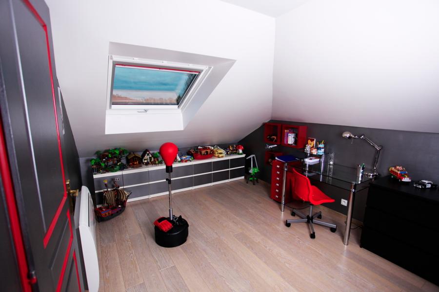 l 39 espace priv des enfants r ve de combles. Black Bedroom Furniture Sets. Home Design Ideas