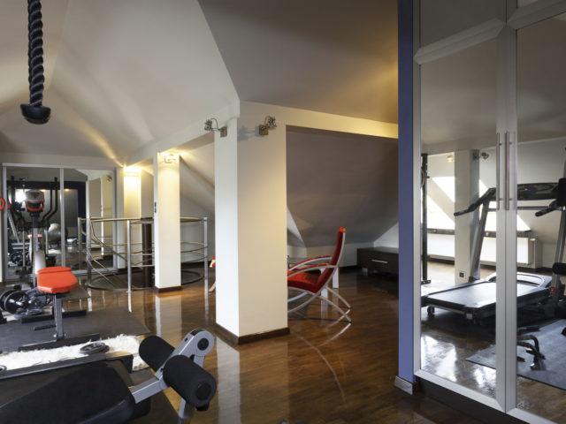 installer une salle de sport dans ses combles r ve de combles. Black Bedroom Furniture Sets. Home Design Ideas