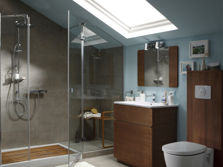 Salle de bains sous les combles un espace de bien tre r ve de combles - Leroy merlin baignoire douche ...