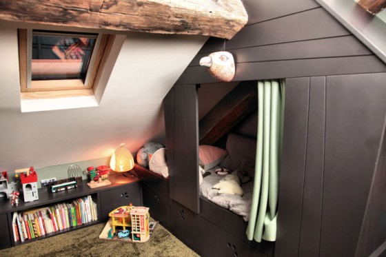 une cabane dans les combles r ve de combles. Black Bedroom Furniture Sets. Home Design Ideas