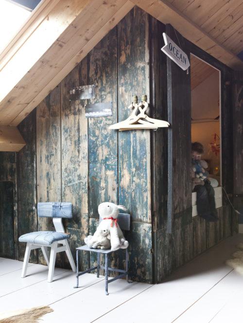 Aménagement combles Lit cabane ferme-renovee-viva-veda