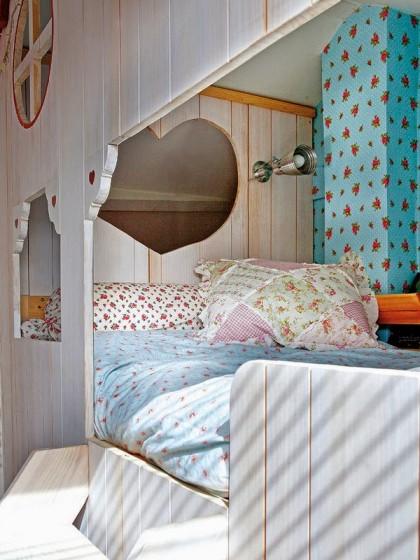 Zoom lumiere lit-cabane-enfant