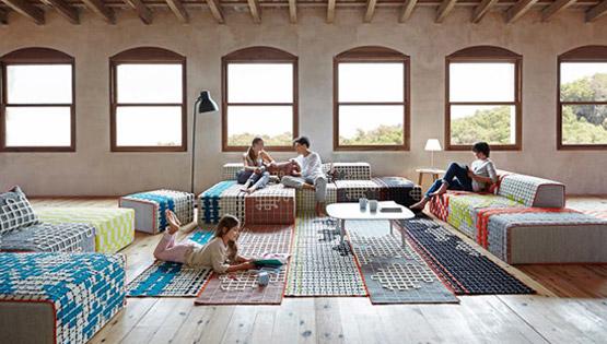 les ensembles poufs et tapis de Patricia Urquiola chez Gan Rugs