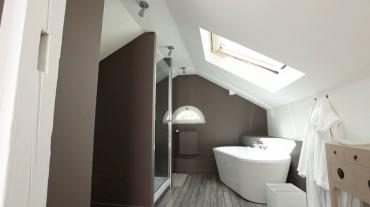 Isolation Salle de bain combles Cosy sous la pluie
