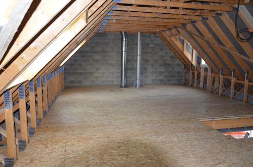 quelles solutions pour remettre un plancher bois de niveau. Black Bedroom Furniture Sets. Home Design Ideas