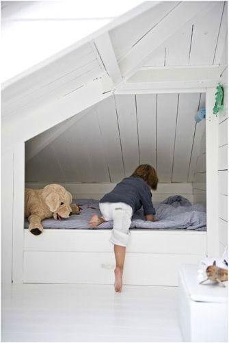 lit-cabane-enfant-lit-sous-combles