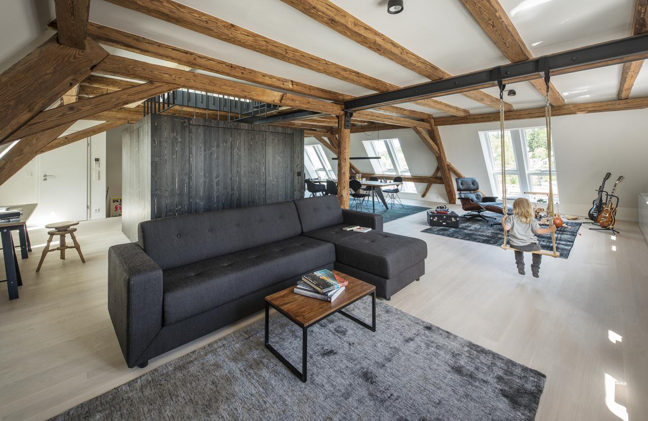 6 id es d 39 am nagement pour des combles atypiques r ve de combles. Black Bedroom Furniture Sets. Home Design Ideas