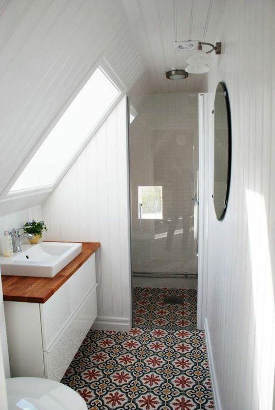 aménager-salle-de-bains-sous-combles