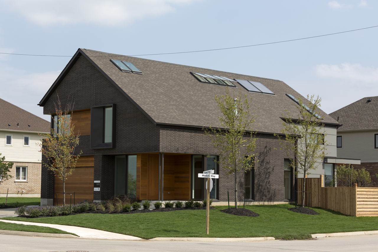 combien co te une sur l vation de toiture r ve de combles. Black Bedroom Furniture Sets. Home Design Ideas